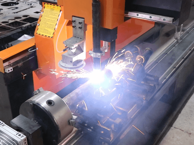 Pipe cutting by cnc plasma cutting machine with rotary